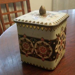 Old Vintage Tin